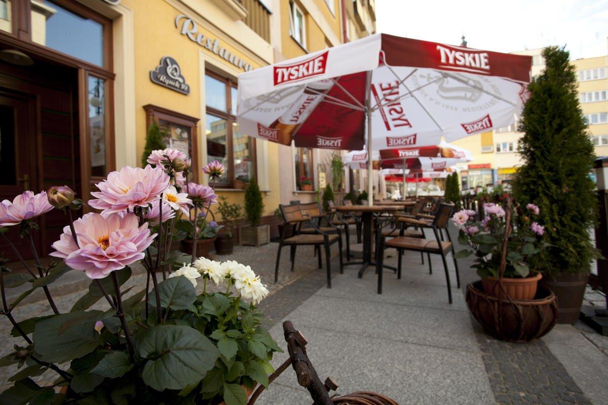 Restauracja Pub Kawiarnia W Legnicy Rynek 10